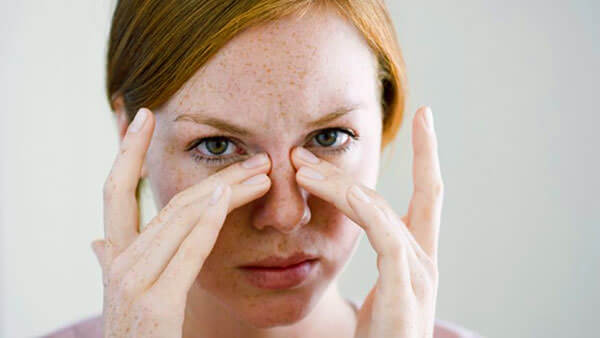 Дискомфорт в носу, головная боль, сопли - симптомы гайморита