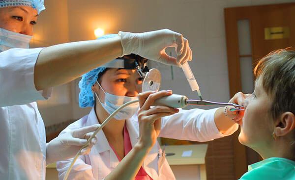 Установить причину искривления перегородки носа может только доктор