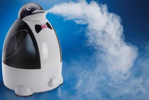 Увлажнение воздуха в комнате малыша не даст пересыхать слизистой носа
