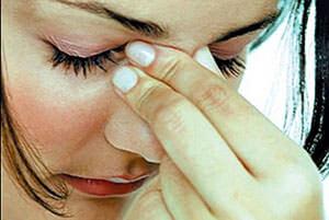 При кровотечении из носа необходимо сохранять спокойствие