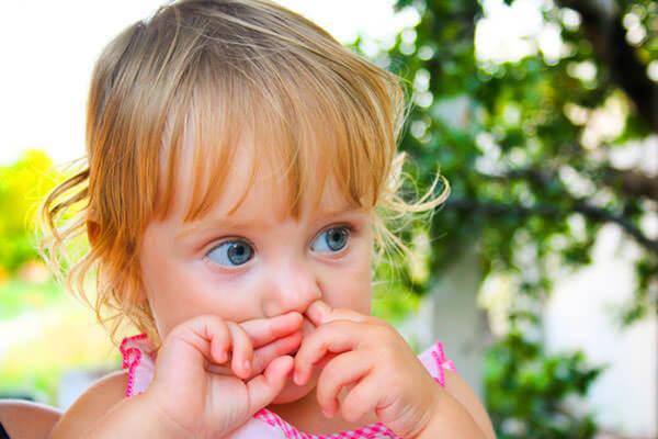 Причина носового кровотечения - ковыряние в носу