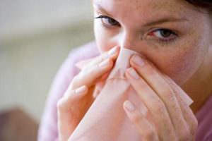 При вирусном или аллергическом рините сопли прозрачные