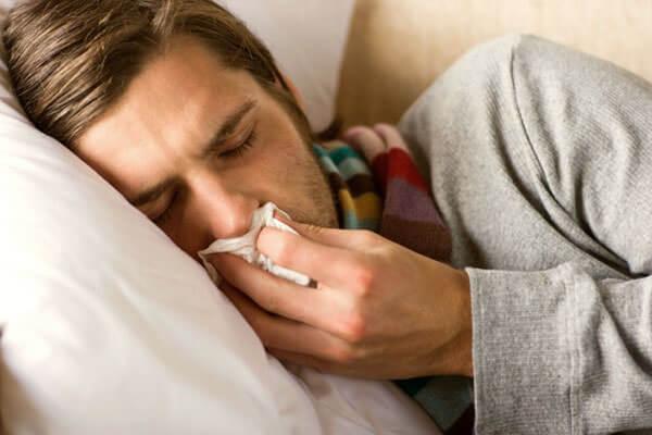 Предрасполагает к развитию синусита наличие полипов в носу