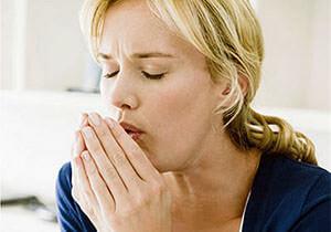 Табакокурение - одна из причин соплей в горле и кашля