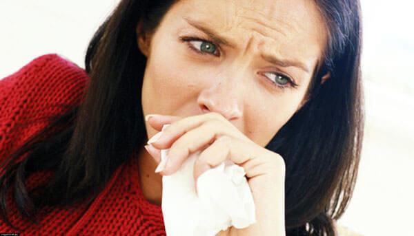 Причиной заложенности носа может стать вирусная инфекция