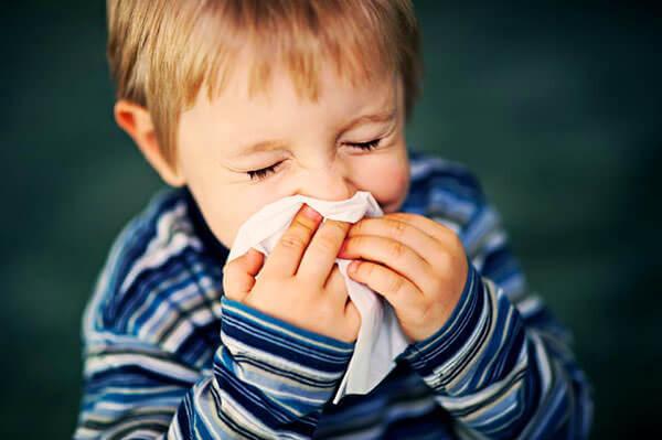 Сопли - это защитная реакция слизистой носа на внешние раздражители