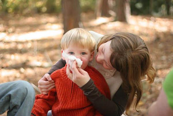 при лечении аллергического ринита важно определить аллерген и устранить его