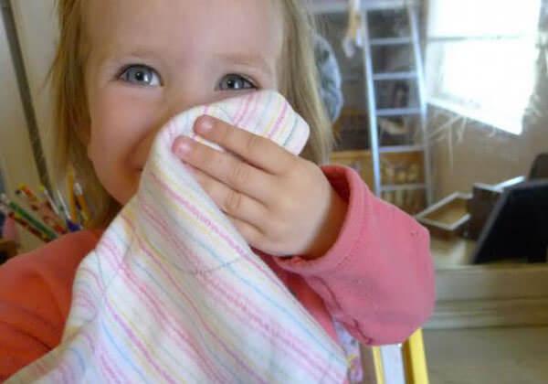 Увеличение слизи в носу гворит о борьбе организма с вирусами, аллергенами или бактериями