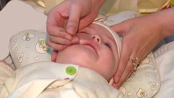 Физраствор капают как для профилактики, так и для лечения насморка