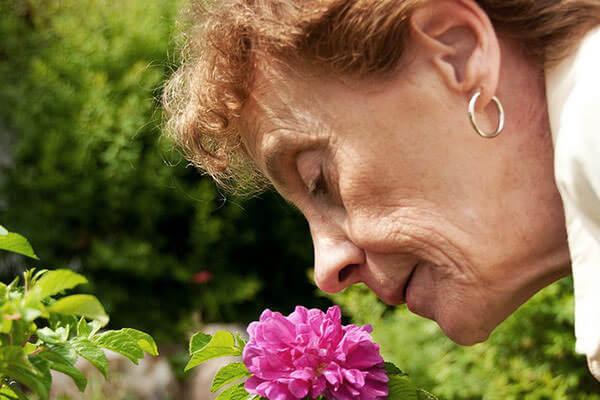 У пожилых людей с возрастом обоняние снижается
