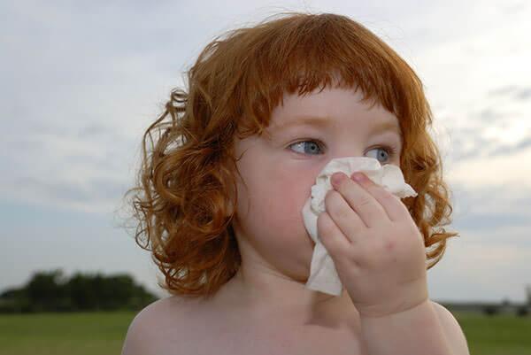 Симптом синусита - сопли гнойного характера с плохим запахом