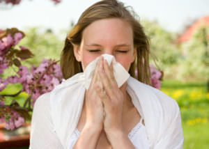Постоянное воздействие аллергенов приводит к развитию хронического ринита