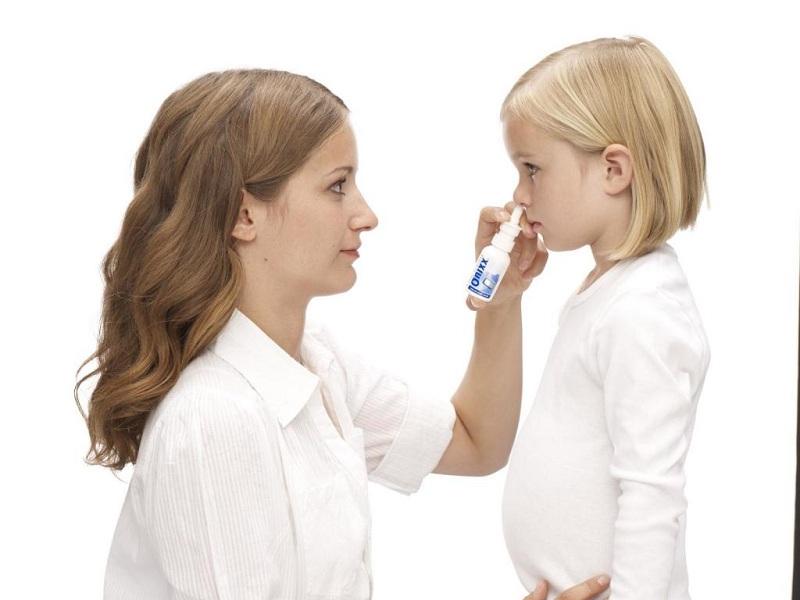 Использование каплей для носа для лечения ринита у детей